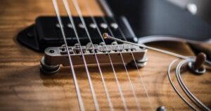Cuerdas de guitarra eléctrica: materiales, aleaciones, calibre y tipos de entorchado.