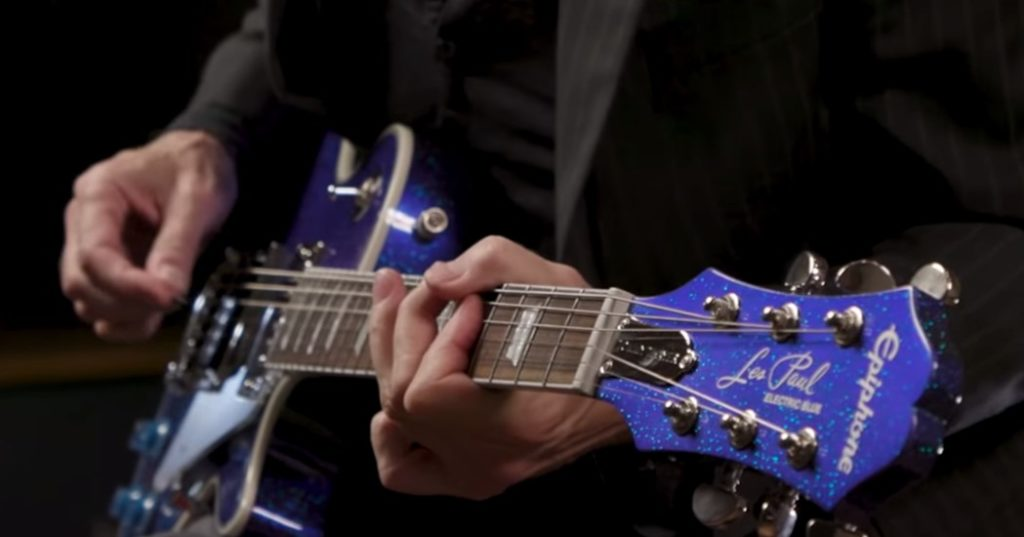 Epiphone Les Paul Outfit Electric Blue Tommy Thayer Signature con clavijero vintage.