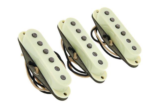 Fender Pure Vintage '65 Strat