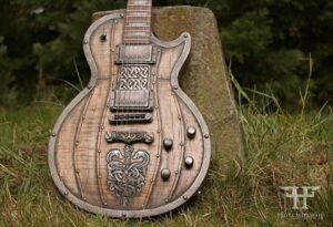 Hutchinson guitarra vikinga