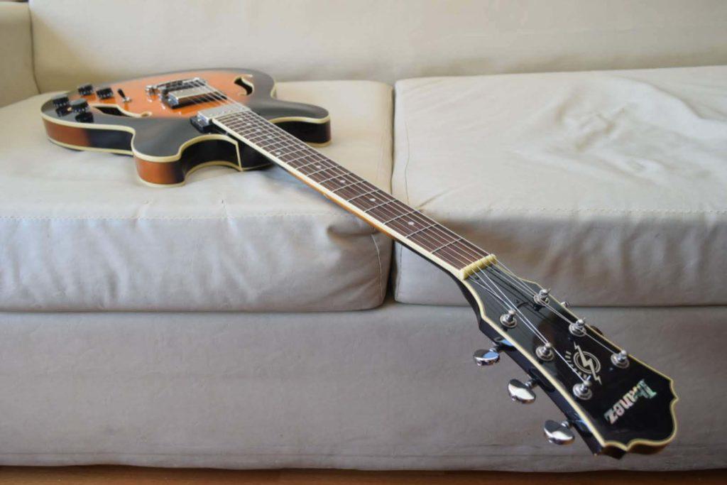アイバニーズAS73、素敵なエレキギターによる画像。