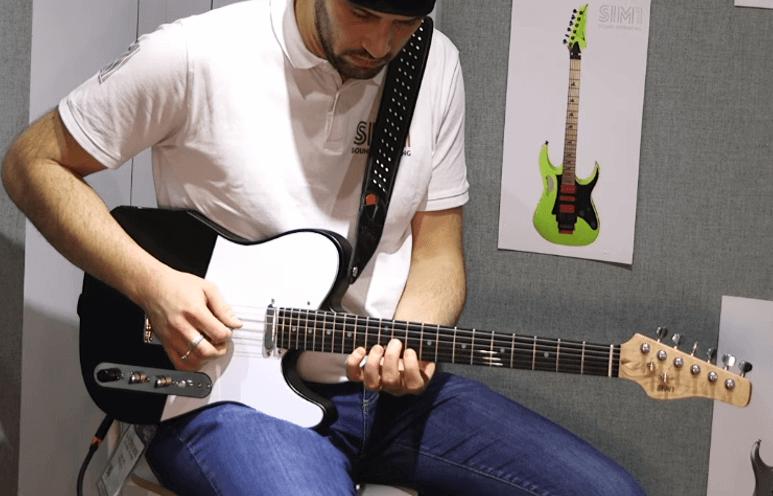 SIM 1 Guitar, guitarra inteligente que emula otras guitarras y cuenta con emulador de amplificador impulsos, overdrive y reverb.