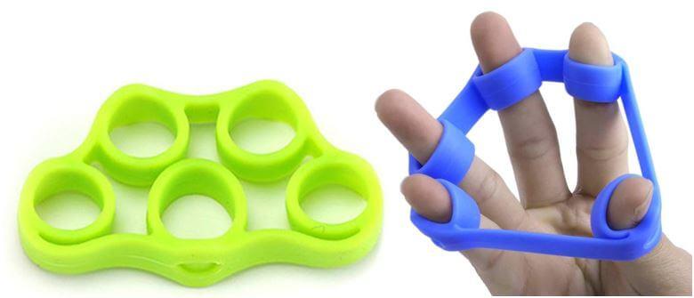 Silikonbänder zum Trainieren und Stärken der Finger.