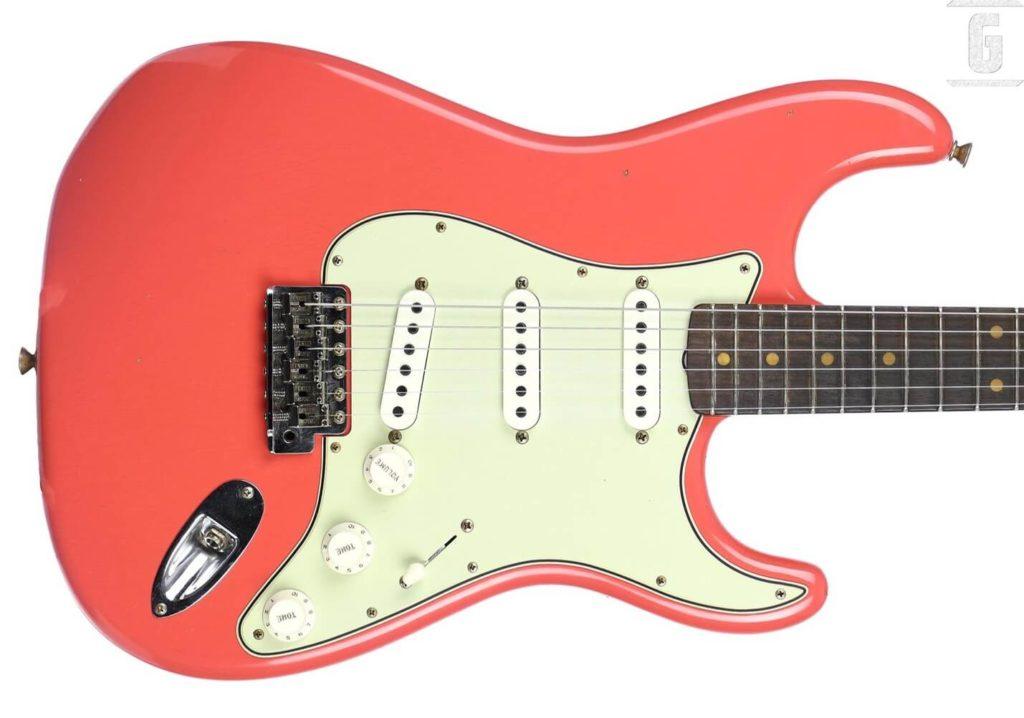 """Fender Stratocaster """"Coral Pink"""""""