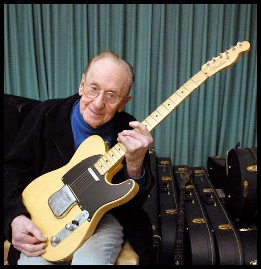 Les Paul con la Nocaster que Leo Fender le regaló.