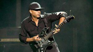 Tom Morello tocando su Fender Stratocaster Soul Power