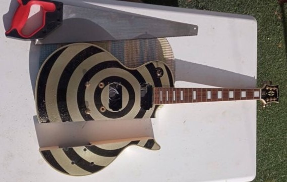 Cuerpo cortado a mano de copia de la Gibson Les Paul Bullseye Zakk Wylde.