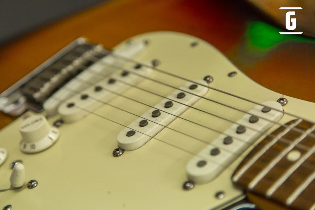 Die besten 14 Tricks, um den Klang Ihrer Gitarre zu verbessern
