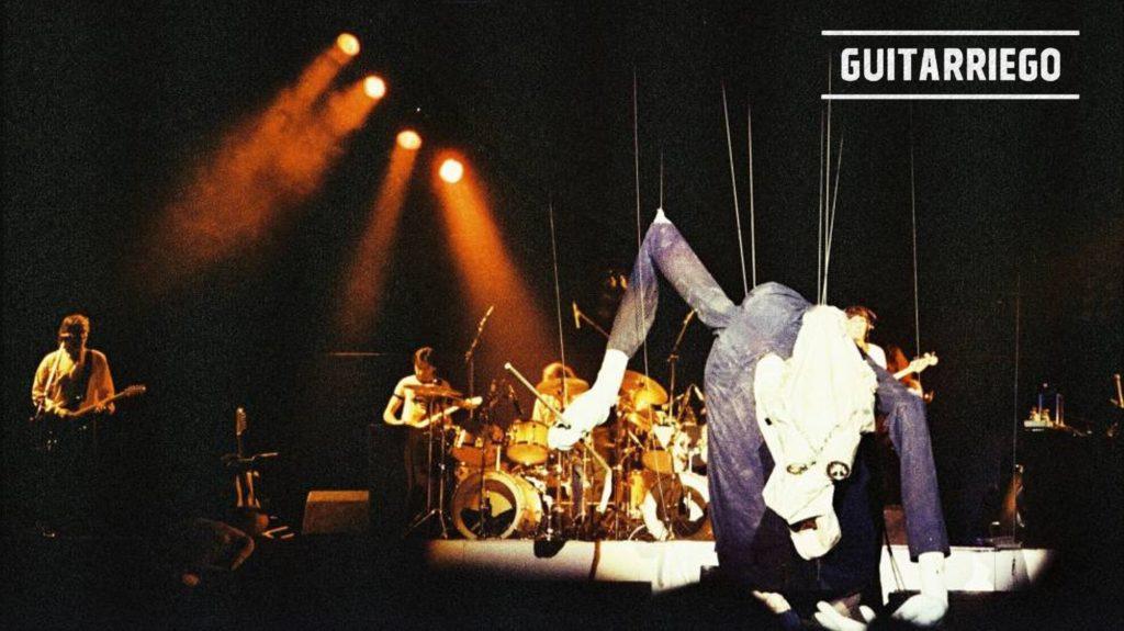 Uno de los muñecos gigantes de The Wall de Pink Floyd.