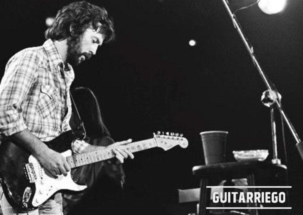 Eric Clapton en acción con Blackie, su guitarra número 1 por más 15 años.