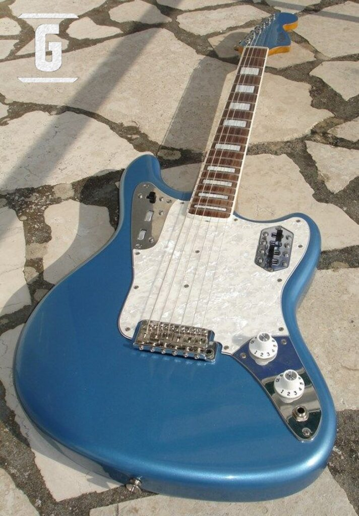 A guitar with the characteristics of the Fender Maruder Type I.