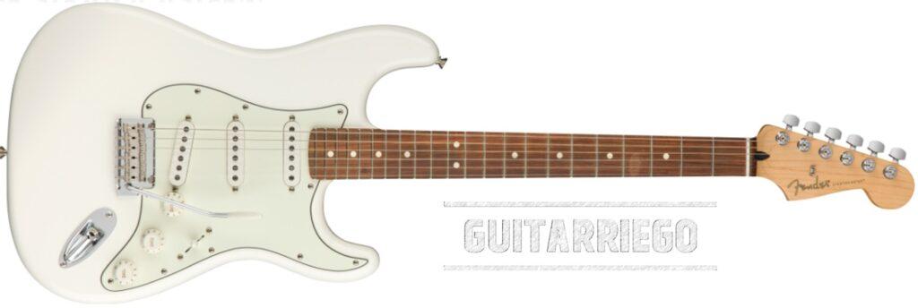 Fender Olympic White con diapasón de Pao Ferro