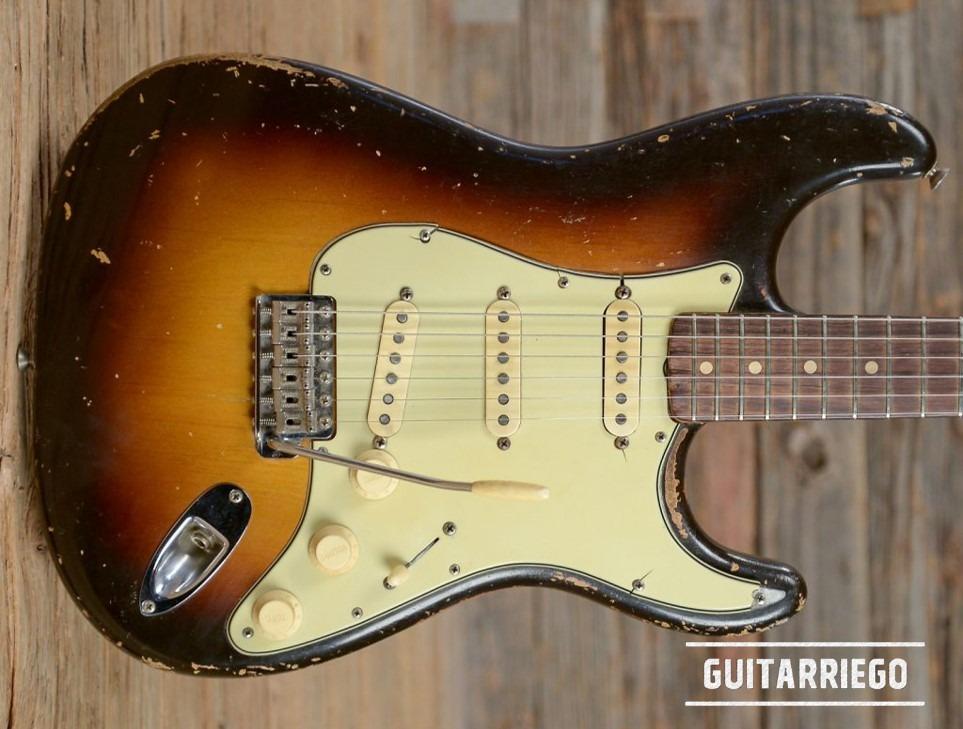 Fender Stratocaster Sunburst vintage.