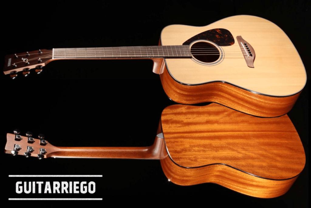 Yamaha FG800, die beste preiswerte Akustikgitarre für Anfänger mit klassischem Setup.