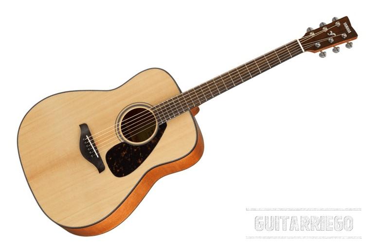 Yamaha FG800, ein Bestseller für billige Akustikgitarren für Anfänger, mit einer klassischen Konfiguration und dem hervorragenden Preis-Leistungs-Verhältnis der japanischen Marke.